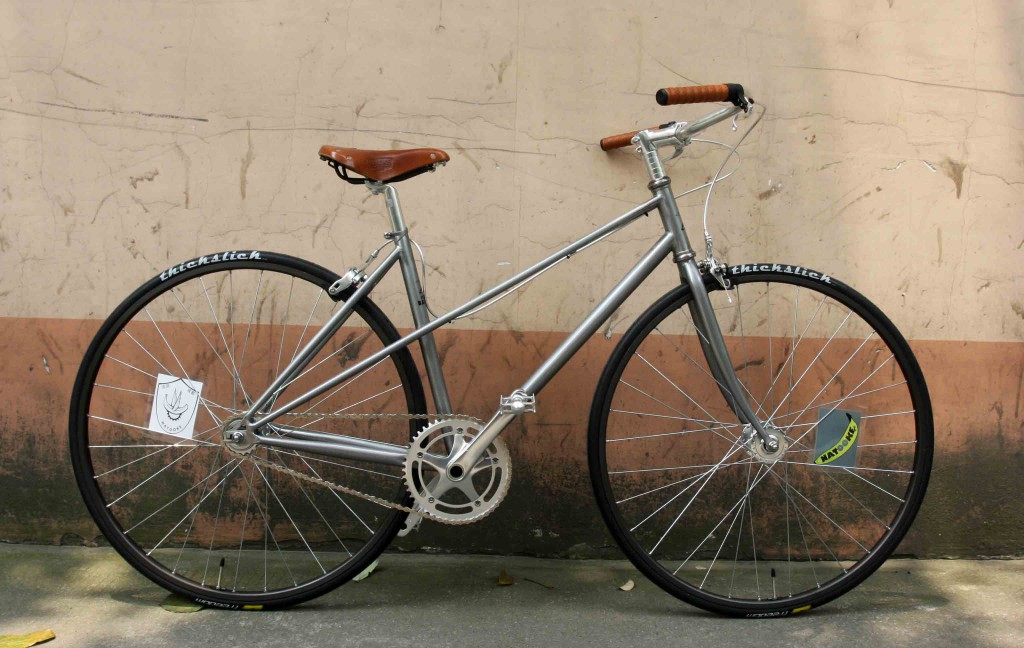 custom bicycle female mixte