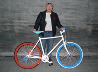 Bikes_with_Owners_33.jpg