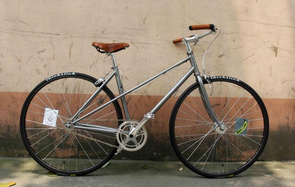 custom bicycle female mixte