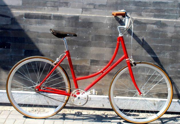 Classic Red Vintage Bike - 5128 RMB